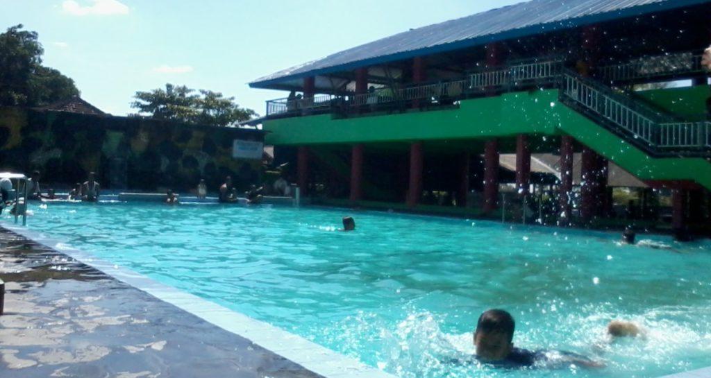 kolam renang janti