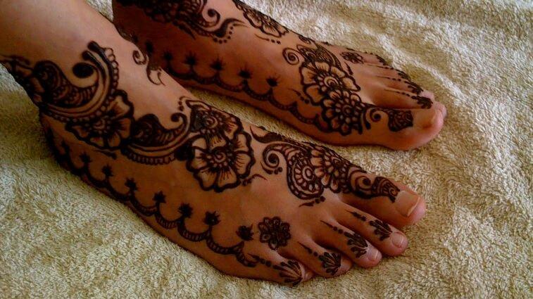 gambar henna kaki simpel
