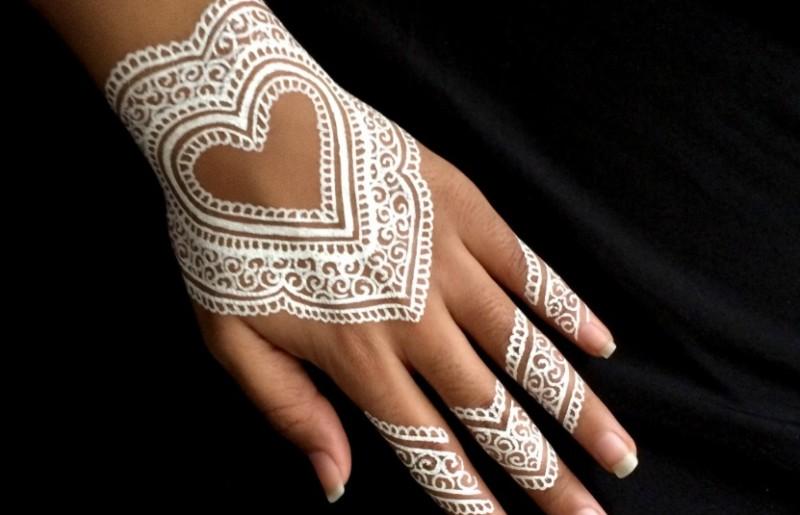 henna love putih simple