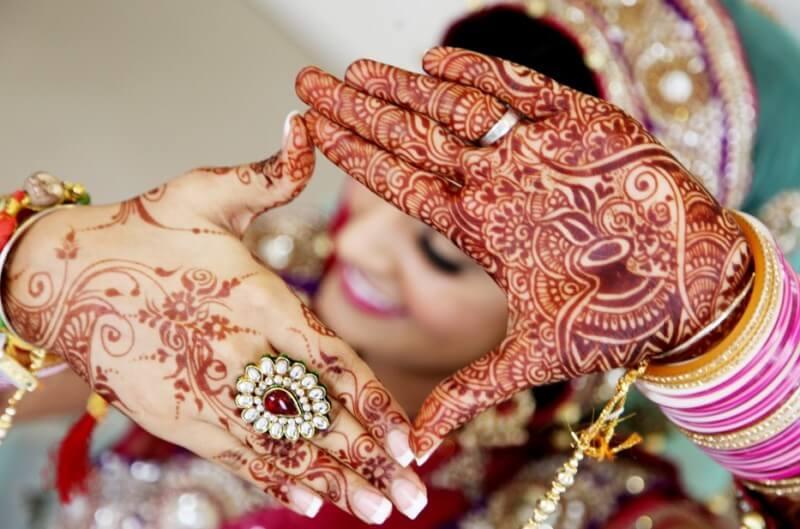 henna membuat makin cantik