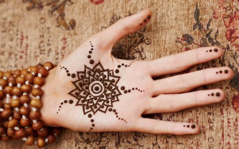 henna telapak tangan simpel