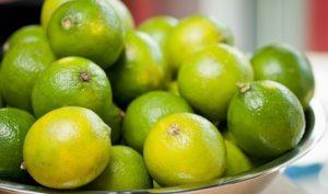 manfaat dan efek samping jeruk nipis