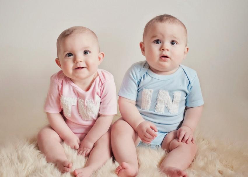 anak kembar laki laki