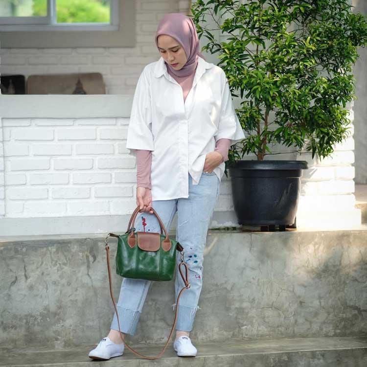 style kondangan menggunakan jeans